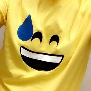 Emoji T-shirt 😅